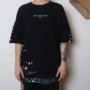 DISTRESSED GRAPHIC T SHIRT